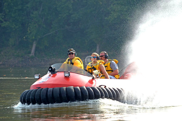 Image Neoteric Rescue hovercraft Flight training