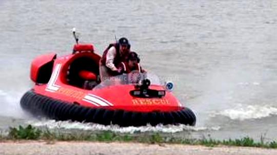 Hovercraft flood rescue vehicle