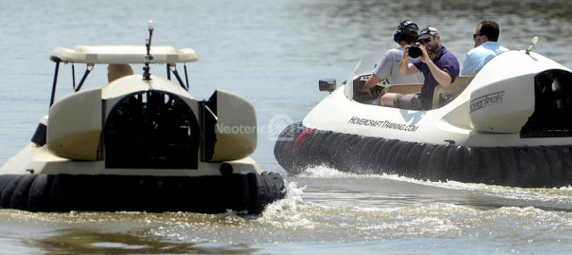 Yahoo features Neoteric hovercraft golf cart replica of Bubba Watson's BW1