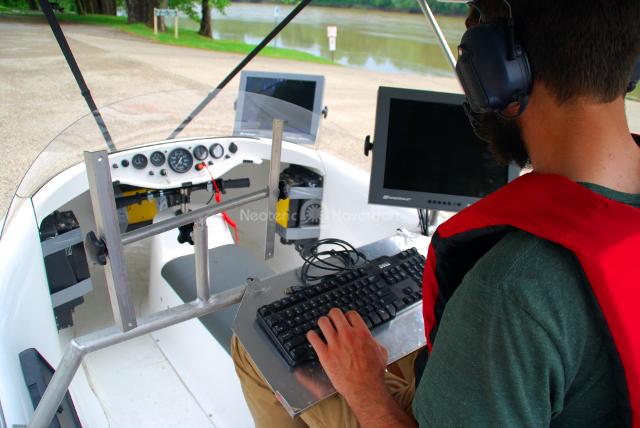http://photos.neoterichovercraft.com/galleries/News/main/photos/hovercraft-interior.jpg