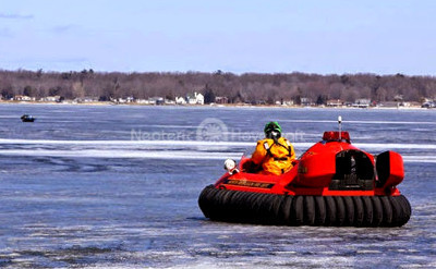 Neoteric Hovercraft rescues ice fisherman Safe rescue tool