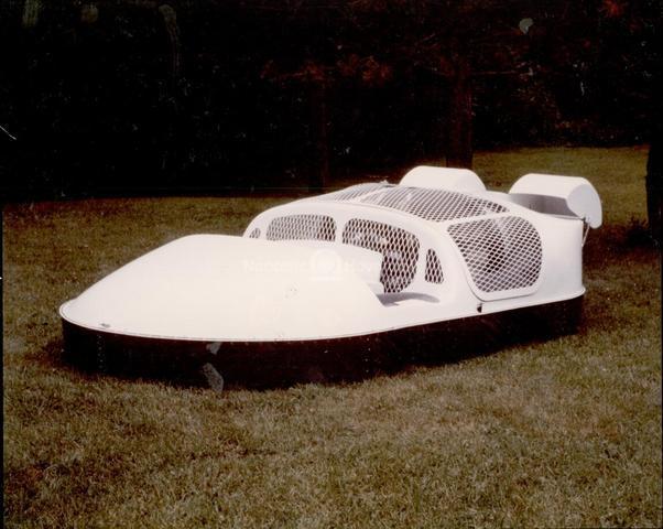 Neova 2 fiberglass hovercraft