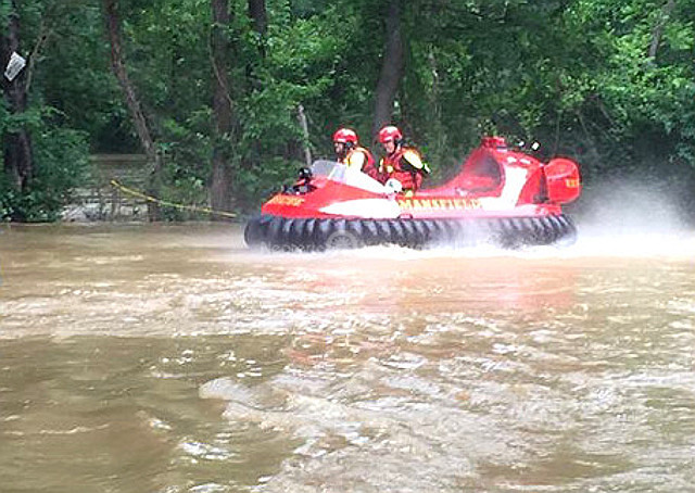 Photo Neoteric Hovercraft flood rescue Texas Mansfield Fire Department