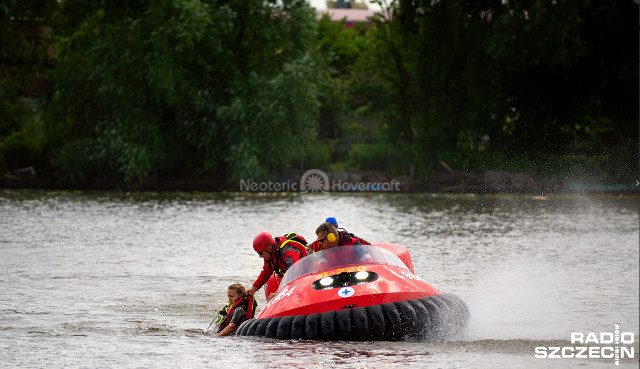 Image Water Rescue WOPR Hovercraft Poland