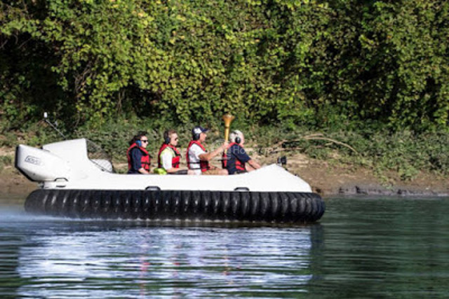 Image hovercraft Neoteric Indiana Bicentennial Torch Relay