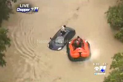 Video Hovercraft flood rescue vehicle Wylie Fire-Rescue Texas flooding