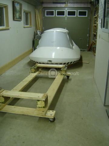 Dolly for hovercraft kit assembly