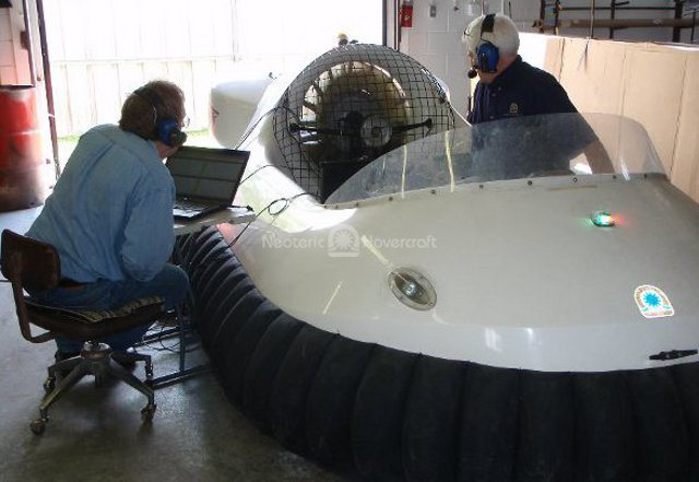 Photo Neoteric hovercraft testing