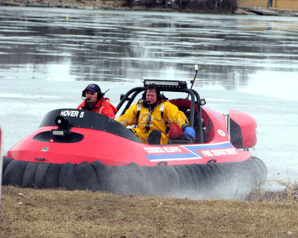Photo Hovercraft Ice rescue equipment First responder safety
