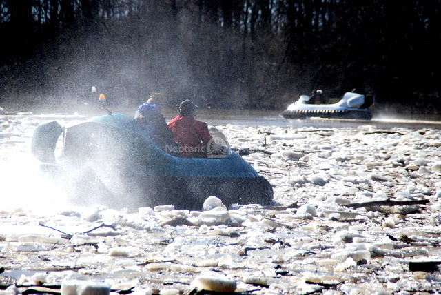 Photos hovercraft flying on ice
