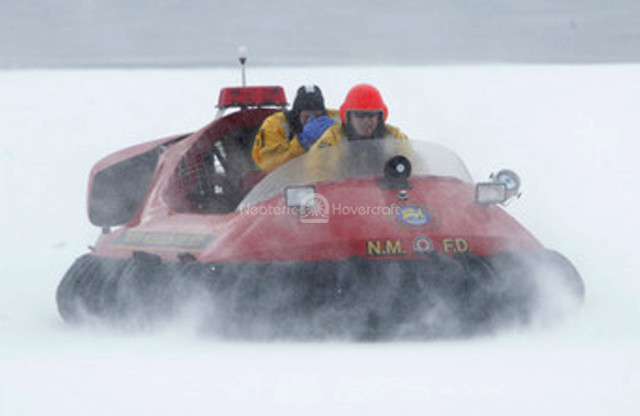 http://photos.neoterichovercraft.com/galleries/miscellaneous/spotlight/photos/recentrescue.jpg