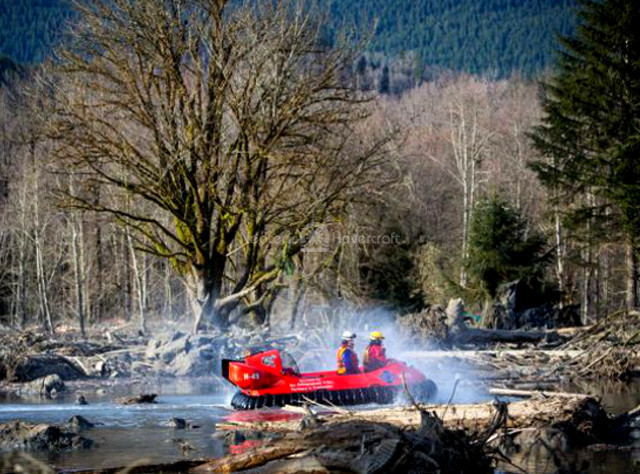 Image Washington mudslide hovercraft rescue