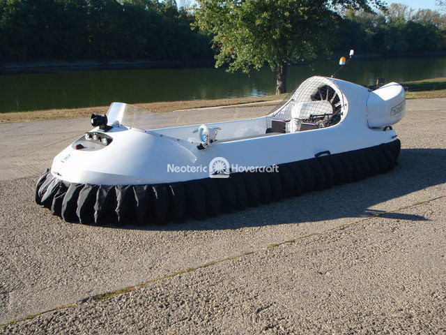 Trailblazer Girl Neoteric Hovercraft