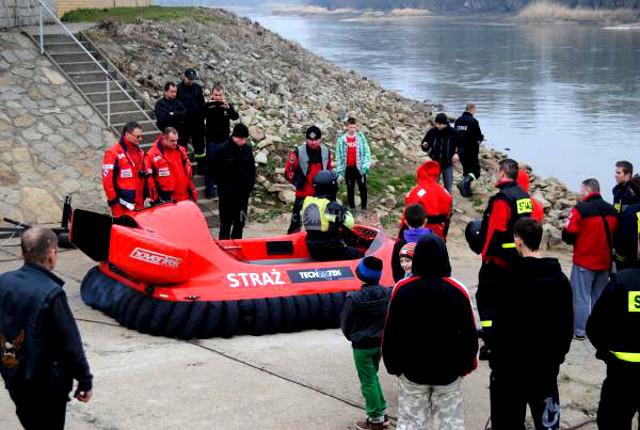 Poland Fire Rescue Neoteric Hovercraft image