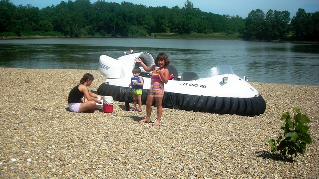 Family Cruise on the White River
