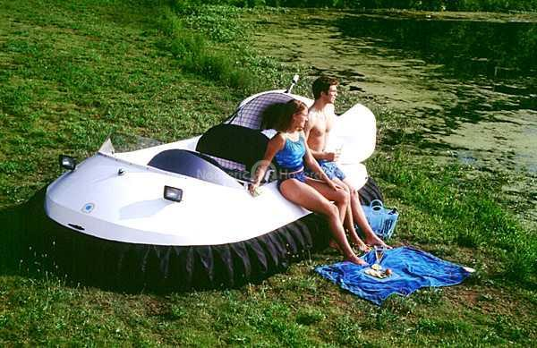 Deluxe Four Passenger Recreational Hovercraft