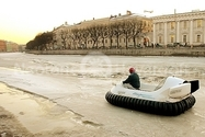 Picture Hovercraft in Russia on ice