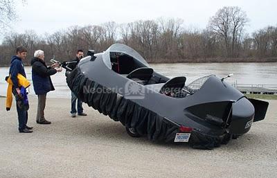 Image Neoteric Hovercraft Pilot training